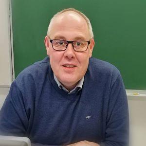 kuvassa Jorma Flinkman, puheenjohtaja